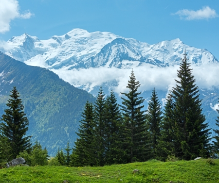 blue ridge mountains: Mont Blanc mountain massif (Chamonix valley, France, view from Plaine Joux outskirts).