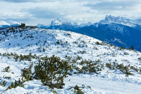 skipiste: Sch�ne Winter Berglandschaft mit Skipiste. (Rittner Horn, Italien, Puez Geislergruppe (rechts). Lizenzfreie Bilder