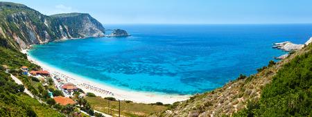 wiedererkennen: Petani Strand Sommerpanorama (Kefalonia, Griechenland). Alle Menschen sind nicht zu erkennen.