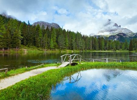 italia: Beautiful summer Alpine  lake lago di Antorno view (Italia Dolomites)