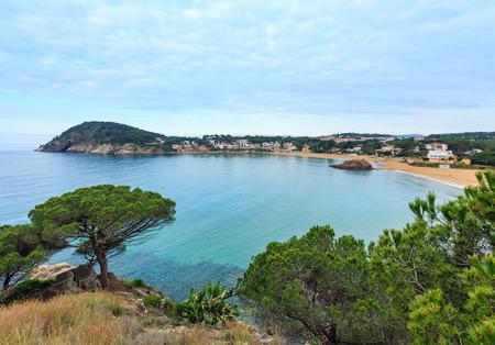 라 Fosca 해변 여름 아침 풍경, Palamos, 지로 나, 코스타 Brava, 스페인. 스톡 콘텐츠