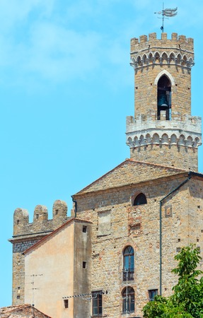 Palazzo dei Priori in ancient walled mountaintop town Volterra, construction  finished in 1257, Pisa province, Tuscany, Italy. Stock Photo