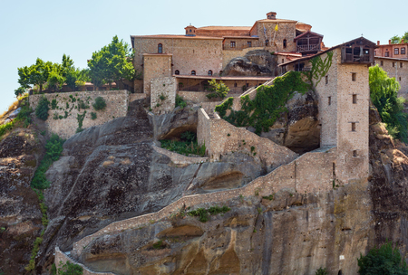 Summer Meteora - important rocky Christianity religious monasteries complex in Greece Imagens
