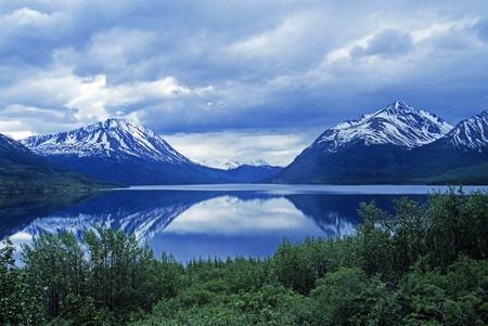 Carcross、ユーコン準州、アラスカ ・ ハイウェイに近くの劇的な雲