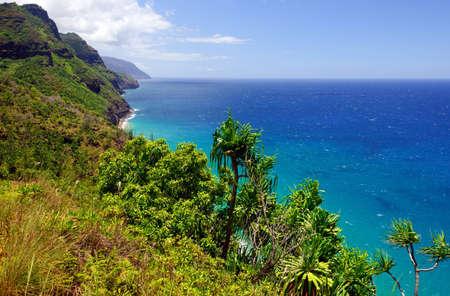 na: The Na Pali coast on the Island of Kauai in Summer