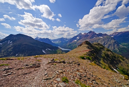 national scenic trail: Spectacular view from the top if the Scenic point trail in Glacier National park