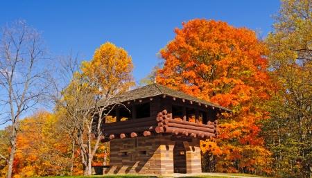 インディアナ州のブラウン郡州立公園内の展望台
