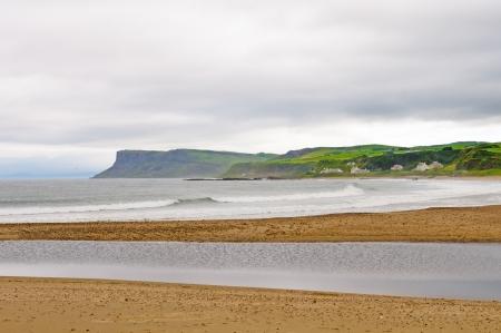 バリーキャッスル、北アイルランドの近くの海岸のビーチ