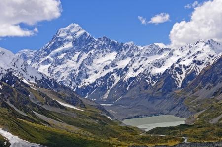 hooker: Mt Cook(Aoraki) and the Hooker Glacier in New Zealand Stock Photo