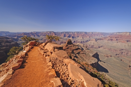 south kaibab trail: South Kaibab Trail heading into the Grand Canyon