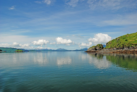 リモート アラスカ コディアック島の海岸