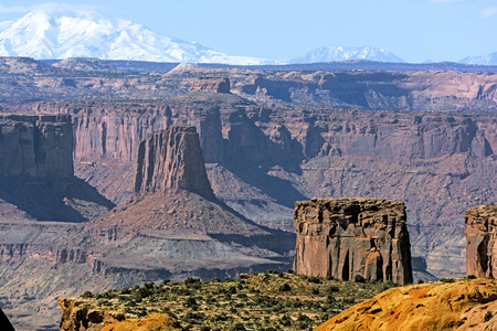 red rocks: Island Buttes in an Ocean of Red Rocks in Canyonlands National Park in Utah Stock Photo
