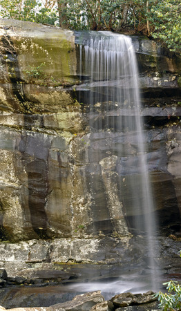 smoky mountains: Rainbow Falls in the Great Smoky Mountains in Tennessee