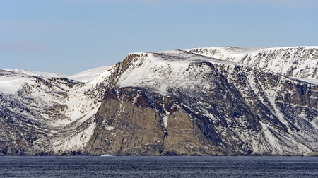 Barren Cliffs in the High Arctic on Baniff Island in Nunavut Canada Imagens