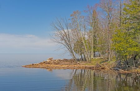 Calm Waters on the Shores of Lake Superior in Porucupine Mountains State Park in Michigan Standard-Bild
