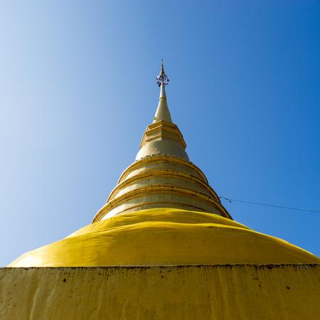 and gold: gold pagoda