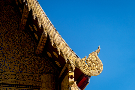 vanishing point: temple roof