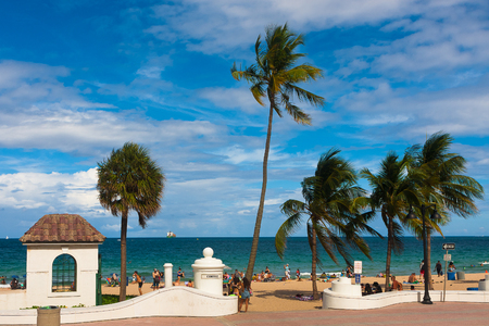 typical: View of Cortez Beach in Fort Lauderdale, Florida, USA.
