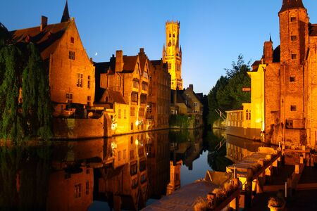 The night waterways of Bruges in Belgium 免版税图像 - 132904891