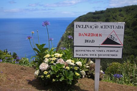 Attention, 35% of slope in the dangerous road