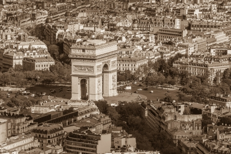 triumphe: Arc de Triomphe seen from Tour Eiffel