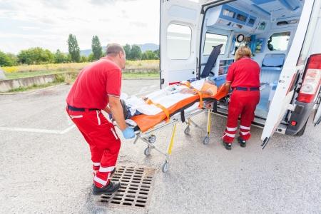 primeros auxilios: Equipo de Rescate de prestar primeros auxilios