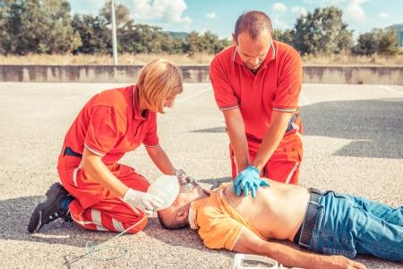 Rescue Team verlenen van eerste hulp