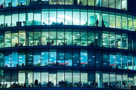 ロンドンの超高層ビルの窓 写真素材