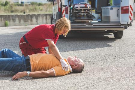 Rescue Team Bereitstellung von Erste-Hilfe-