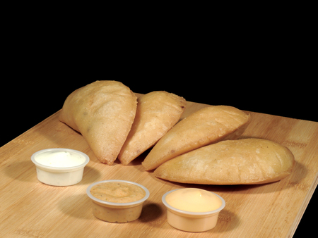 Meat and cheese empanadas Imagens - 127655615