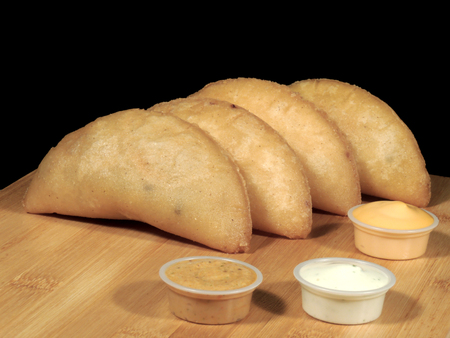 Meat and cheese empanadas Imagens - 127655617