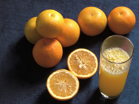 oranges, fresh and healthy tropical fruit Imagens - 127655657
