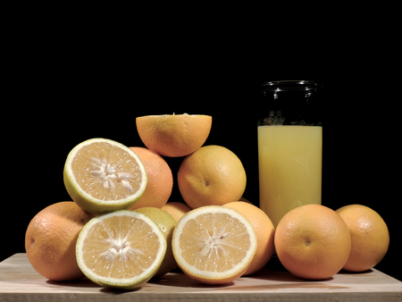 oranges, fresh and healthy tropical fruit Imagens - 127655682