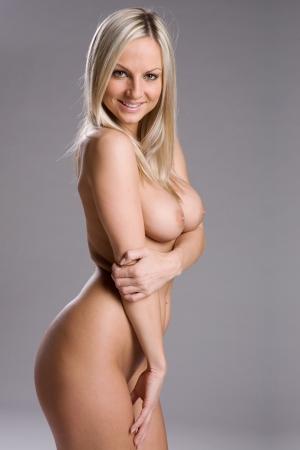 donne nude: una donna molto sexy e bella nuda
