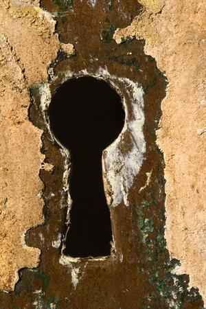 A lock on an old farmhouse door   版權商用圖片