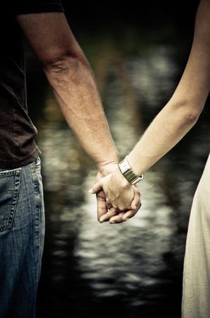 manos sosteniendo: Mano