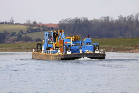 barge: barge
