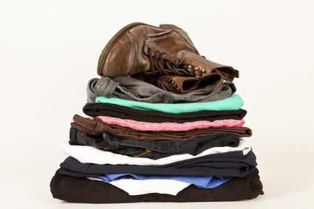 revoltijo: Un par de botas y un mont�n de ropa vieja para la tienda de caridad o un mercadillo