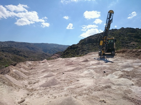 industry: Rock drilling in canteta