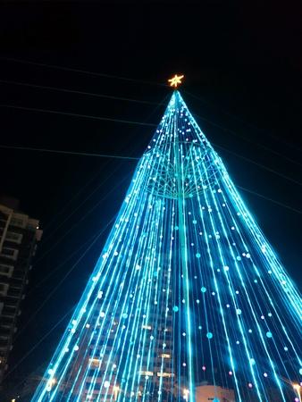 wire: Christmas tree