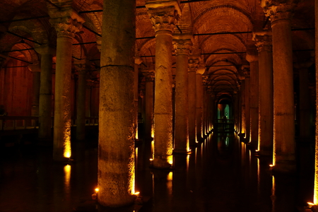 aljibe: cisterna de Estambul Foto de archivo
