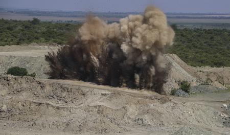 採石場での爆破