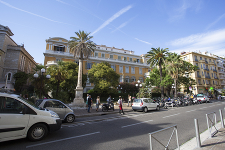 Street with people and cars in France (Nice - France 28th of July 2017) Redakční