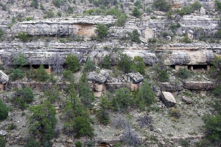 the dwelling: Native American cliff dwelling ruins in Walnut Canyon National Monument, Arizona Stock Photo