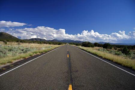 Ruta de turquesa en direcci�n sur hacia Alburquerque, Nuevo M�xico  Foto de archivo