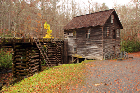 smokey: Historic Mingus Mill in Great Smokey Mountains National Park