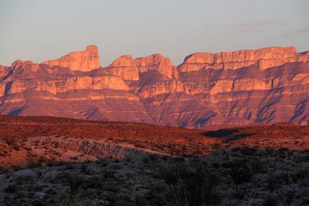 Coucher de soleil sur la Sierra Del Carmen, Big Bend National Park, Texas