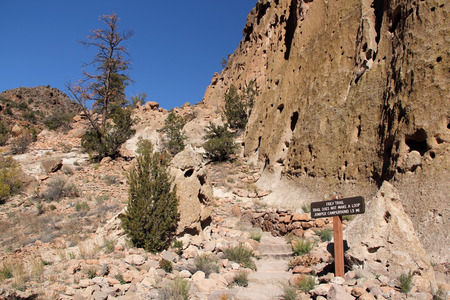 anasazi ruins: Hiking Trail in Bandelier National Monument, New Mexico