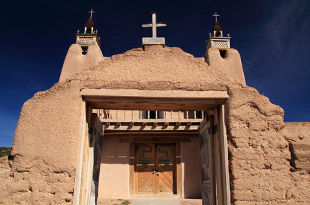 San Jose de Gracia Catholic Church in Las Trampas along the High Road to Taos in Northern New Mexico Reklamní fotografie - 83800693