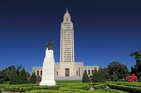 Louisiana State Capitol Building and Huey Long Memorial in the city of Baton Rouge Фото со стока - 84238202